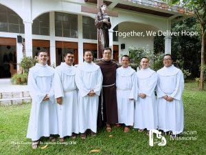 Franciscan-Seminarians-in-Vietnam
