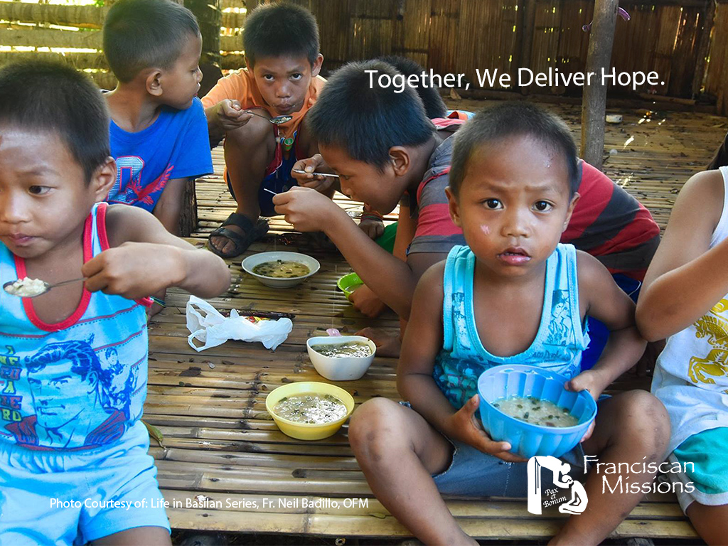 Feeding-the-poor-in-Philippines