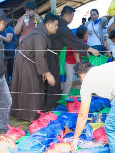 Philippine-Franciscan-earthquake-relief-on-Mindanao